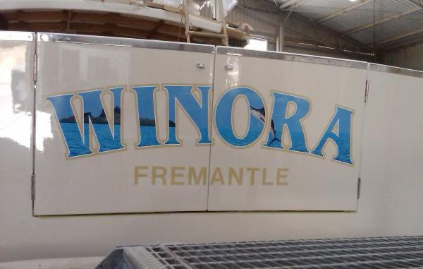 Vinyl_Lettering_with_Photo_Montage-72-600-450-80