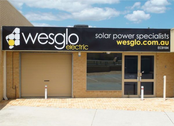 WesglowElectric_Signage-88-600-450-80